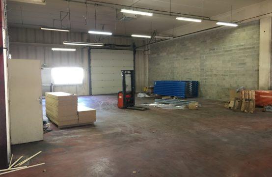 Locaux d'Activités – Bureaux & Show Room – 790 m²