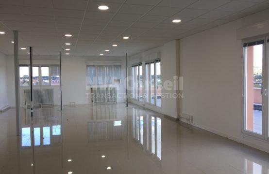Bureaux R+5 avec terrasse – 110 m²