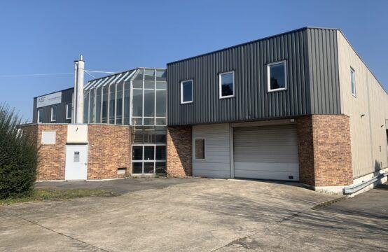 Bâtiment indépendant – Activités Entrepôt – 2046 m²